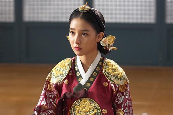 <밤을 걷는 선비> 김소은, 이순재 의심에 '순진무구 눈빛'