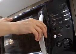 전자레인지를 활용한 초간편 세탁법