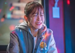 <역도요정 김복주> 경수진, 이번엔 '혼눈'! 노래방 불쌍 甲 등극