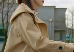 [39회_오동희] 베이지 컬러의 깔끔한 '트렌치 코트'