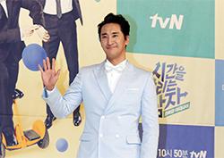 [포토] <시간을 달리는 남자> 신현준 '반 백살의 여유 미소'