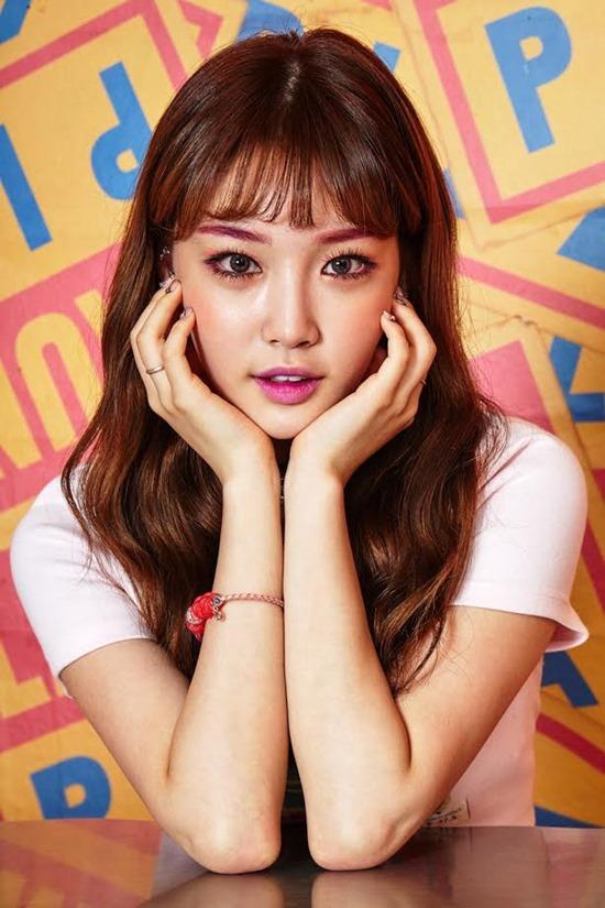'아이오아이 출신' 김청하, 첫 솔로 타자 낙점…오는 21일 싱글 선공개