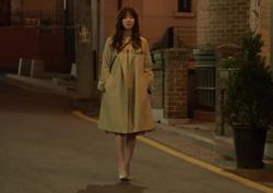 [43회_한정은] 군더더기 없는 디자인의 '봄 코트'