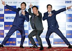 [B하인드] <보안관> 이성민-조진웅-김성균, 영화를 닮은 유쾌한 포토타임!