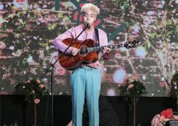 [TF이슈] 로이킴, 신곡 '문득'·'이기주의보'로 3개 음원 순위 정상