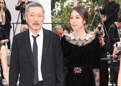[칸 영화제] 사진으로 보는 70회 칸 영화제 한국 영화인들 - 홍상수 감독의 <그 후>, <클레어의 카메라>팀