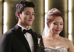 일라이 부부, 4년 만에 이룬 '눈물의 결혼식'