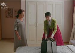 """""""엄마가 도와줘!"""" 김청-이주연의 '예단 바꿔치기 전략'"""