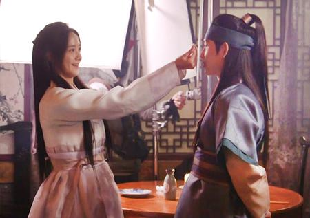 여기는 촬영현장! <왕은 사랑한다> 임시완-임윤아, '쉬는 시간 속 꿀케미'