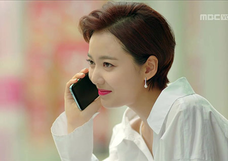 [2회_이지영B]  깔끔한 디자인의 '진주 귀걸이'