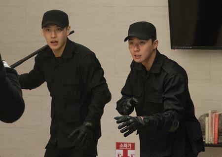 <청년경찰> 짐승남으로 돌아온 박서준X강하늘