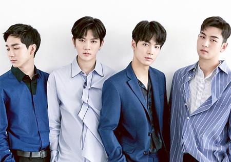 뉴이스트W, 유닛 활동 신호탄…'여심 잡는 심쿵 눈빛'