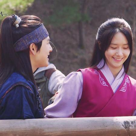 """<왕은 사랑한다> 임시완-임윤아, """"내 첫 번째는 너다."""" 명장면 비하인드 공개!"""