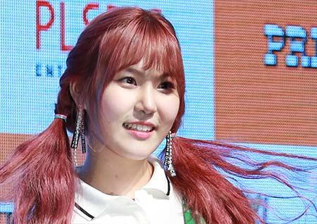 [포토] 프리스틴 예하나, 빨간머리 삐삐? 말괄량이 같은 귀여운 표정
