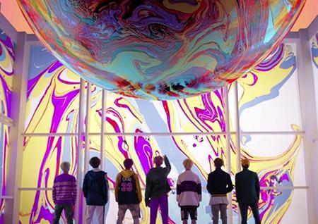 방탄소년단, 'DNA' 뮤직비디오 공개! 화려한 영상미+스타일링 '눈길'