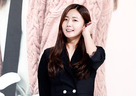 [포토] <안단테> 이예현, 차분하게 머리 넘기는 중
