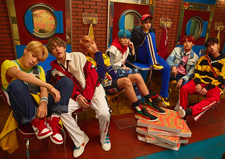 방탄소년단, '연일 기록행진' 발매 첫날 음반 판매량 45만장 돌파!