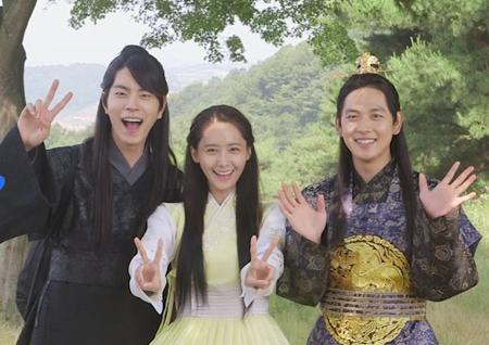 <왕은 사랑한다> 종영! '왕사'다웠던 마지막 촬영 현장은?