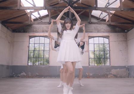 여자친구, 유튜브-SNS 달군 '여름비' 안무…'감성 가득 퍼포먼스'
