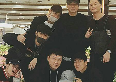 양현석 대표, 젝스키스와 함께한 해외 여행 인증샷 공개