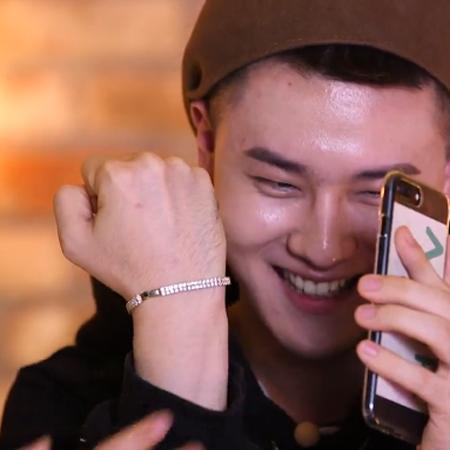 <아작쇼> AA(에이에이) 앧콘, 내 매력 포인트? '손등에 털'(해요TV)