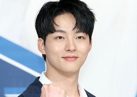 [B하인드] 박성우, 전당포 사장님 '까치발 청년'의 잘생김 자랑