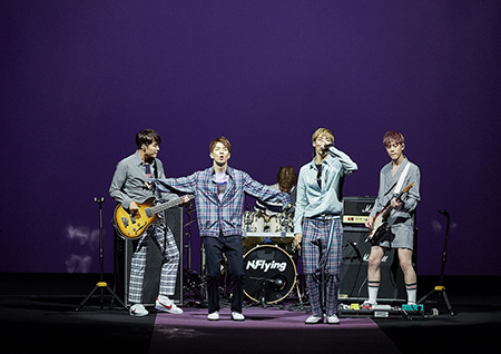 엔플라잉, 서울패션위크서 '라이브 공연'+이승협·유회승 '런웨이' 등장