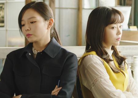 <이번 생은 처음이라> 이솜 vs 김가은, 결혼관 격렬 충돌! 12년 우정 금 가나?