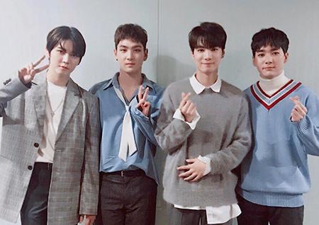 뉴이스트 W, 'WHERE YOU AT'으로 1위+미니 팬미팅+역조공까지!