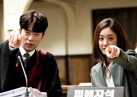 동시간대 시청률 1위 달성 <마녀의 법정> '마녀콤비' 美공개 비하인드 공개!