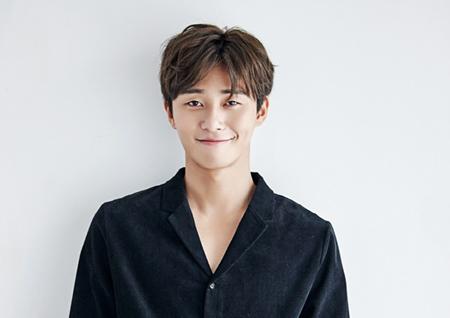 <윤식당2> 신입알바 인턴 '박서준' 합류! 탁월한 센스 겸비해 활약 예상