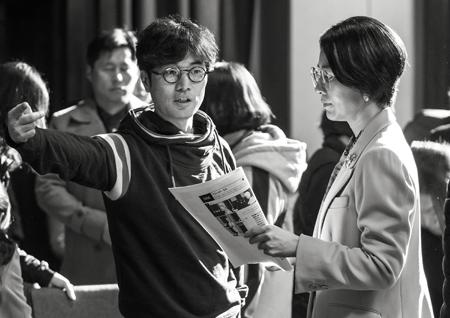김희애, 김해숙 출연 <허스토리> 진정한 여성영화 되나? 11월 6일 크랭크업!