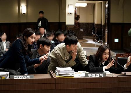 <마녀의 법정> 정려원-윤현민, 반전美 폭발하는 촬영 현장! '훈훈'