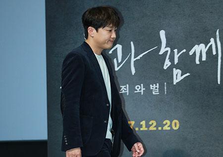 [포토] <신과함께> 차태현, '귀인 김자홍이요!' 입장하는 중