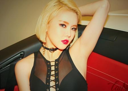 '큐티 섹시의 정석' 레이샤 채진-혜리, 화려한 비주얼 속 반전 매력 '눈길'