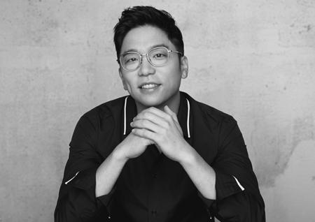 가수 이적, 신곡 '나침반'으로 음원차트 1위 등극!
