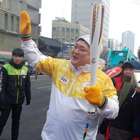 개그맨 김준현 '2018 평창동계올림픽' 성화봉송 주자로 참여