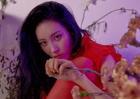 '독보적 여성 솔로' 선미, 신곡 '주인공'으로 음원차트 1위 올킬!