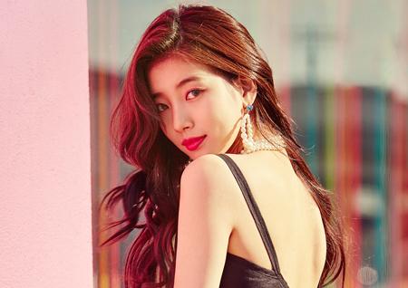 수지, 타이틀곡 '홀리데이' 포토 티저 공개··· 조선희 촬영+LA 배경 '시선 압도'