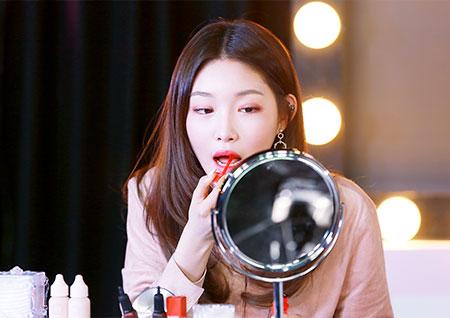 [B하인드] '해요TV-청하의 사생활' 스튜디오를 함몰시킨 그녀의 매력! - ②