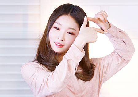 [B하인드] '해요TV-청하의 사생활' 스튜디오를 함몰시킨 그녀의 매력! - ③