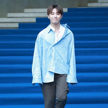 [포토] 블락비 유권, 싱글싱글~ 환한 미소로 등장