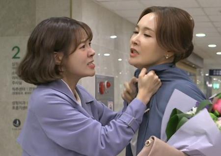 """'전생에 웬수들' 최윤영, 최수린 멱살 잡았다! """"몸이 찢어지는 고통 겪으라고!"""""""
