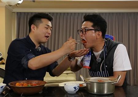 '서울메이트' 김준호, 이원일 셰프 특급 요리 과외 받았다(Ft. 얍쓰 닭볶음탕)