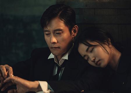 '미스터 션샤인' 이병헌-김태리, 애처로운 '어깨 베개' 포착 '맴찢'