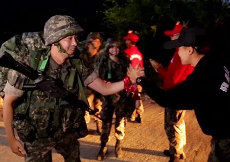 '진짜사나이300' 강지환부터 리사까지··· 20kg 완전 군장 행군, 모두 성공할까?