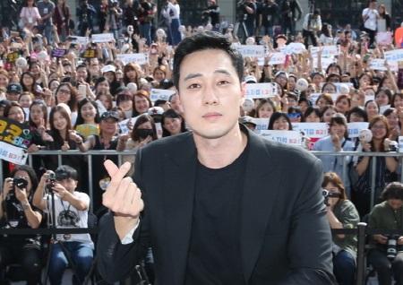 소지섭, '내뒤테' 대만 프로모션 투어 성료...관객과의 만남에 2000명 몰려 '글로벌 인기'