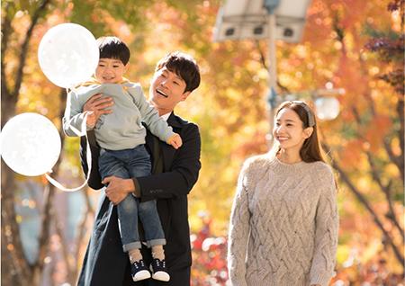 '신과의 약속' 한채영-이천희-하이안, 단풍 속 가족 나들이 현장 포착! '훈훈'