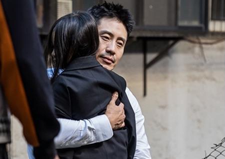 '나쁜형사' 신하균, 거친 야성미 VS 따뜻한 츤데레 '극과 극 매력'