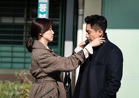 '나쁜형사' 신하균-홍은희, '애틋+다정부터 맴찢까지'... 완벽 부부 케미 발산